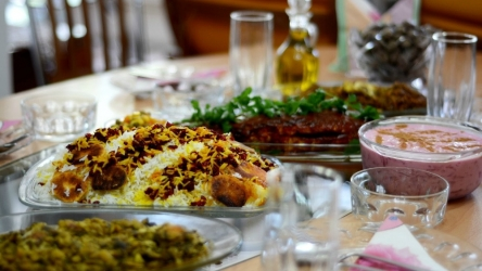Mangiare fuori in Iran? Frasi in lingua persiana da usare al ristorante